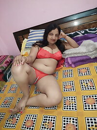 Mature Bhabhis Collections