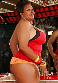 Curvy Beauties 27