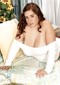 Curvy Beauties 27