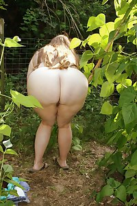 BIG Round & FAT Asses Outdoors! #3
