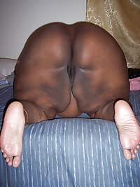 BBW MATURE BLACK WOMAN WITH BIG ASS & BIG BOOBS