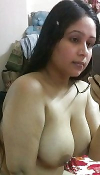 Desi Indian chubby wife nude selfy.dick raising