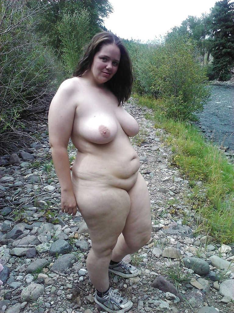 Full figure woman nude